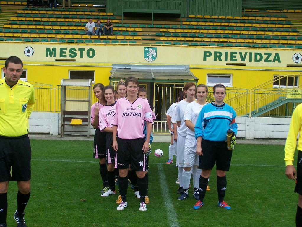 obr: ŽENY FC BANÍK HN ZVÍŤAZILI NAD HALÍČOM