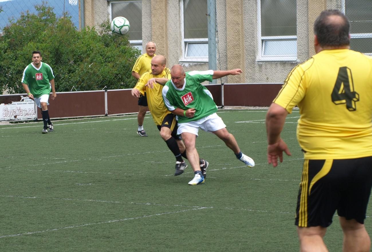 obr: Futbalový maratón: Krekáči vyrovnali stav série na 1:1