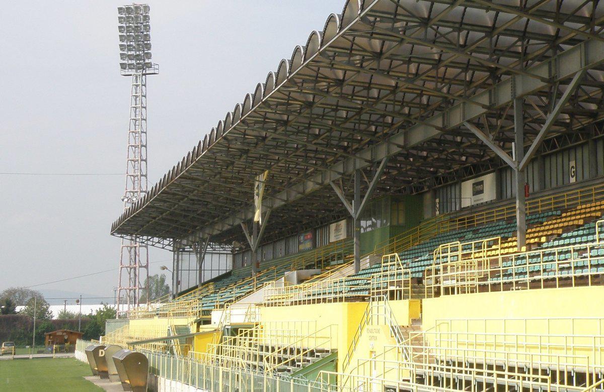obr: Padla definitíva o rekonštrukcii futbalového štadióna. Využije mesto príspevok od štátu?