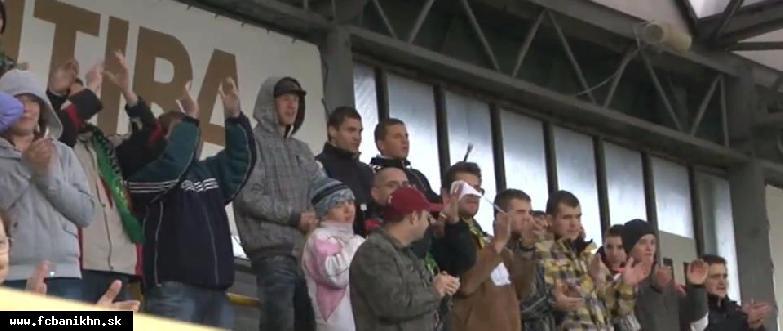 obr: FANKLUB FC BANÍK HORNÁ NITRA SNÍVA O SEKTORE FANS