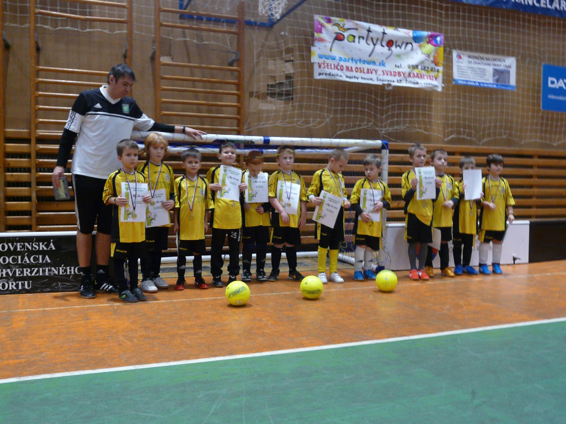 obr: Chlapci z U7 odohrali prvý turnaj v živote a hneď skončili zlatí!