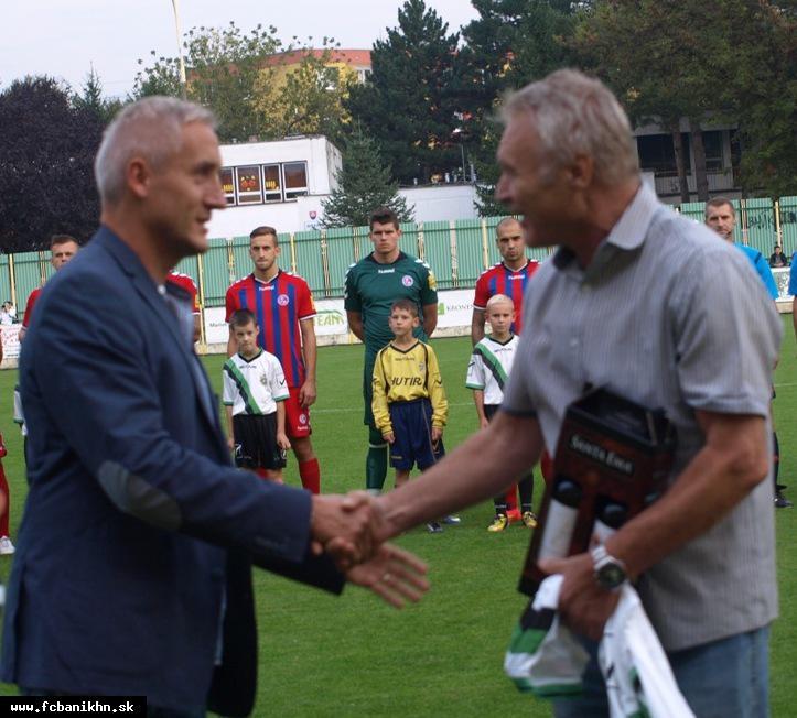 """obr: """"Dôchodca"""" Viliam Ilko vymenil načas futbal za huby"""