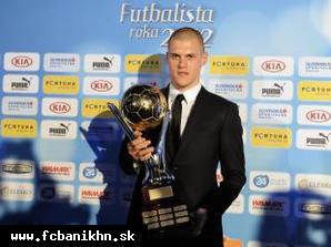 obr: Najlepším futbalistom Slovenska opäť Škrtel, získal rekordný štvrtý triumf