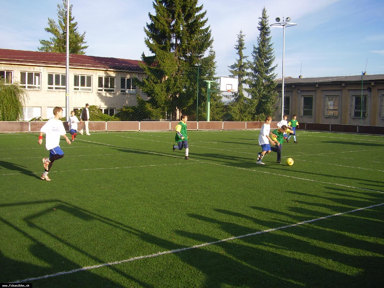 obr: Handlovské futbalové triedy úspešné!