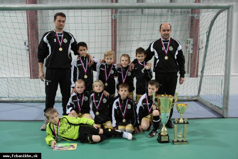 obr: Futbalisti FC Baník HN U9 ovládli halový turnaj v Púchove